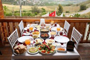 Kahvaltı Salonu Açmak | Kahvaltıcı Açma Maliyeti ve Kazancı